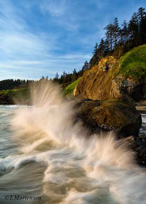 Nice waves coming crashing to shore at Ecola State Park near Cannon Beach, Oregon.